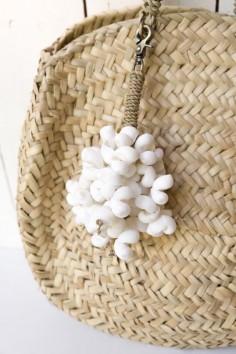 Porte-clés coquillages blancs - porte-clés bali - déco de bali - bazar bizar - wkhdeco