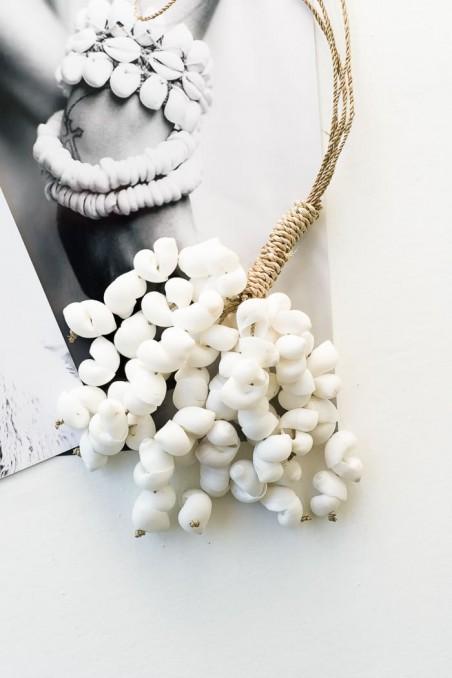 Suspension coquillages blancs - pampille coquillages - déco de bali - bazar bizar - wkhdeco