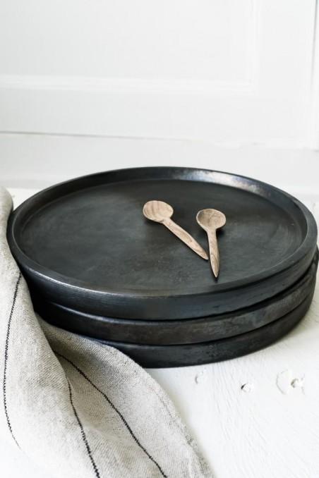 Assiette noire terre cuite brulée - assiette bali - vaisselle bali - vaisselle terre cuite - bazar bizar - wkhdeco