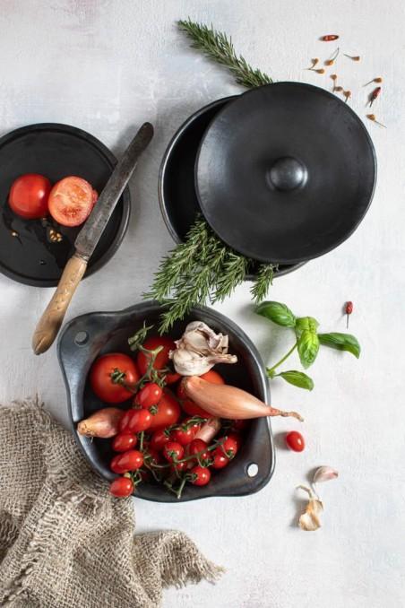 Pot en terre cuite brulée - marmite terre cuite - assiette terre cuite - vaisselle de bali - bazar bizar - wkhdeco