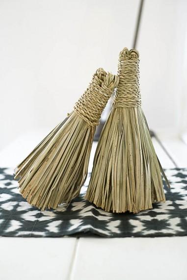 Balai en paille pompon - balai en paille marocain - balai pompon - balai en paille - balai déco - wkhdeco