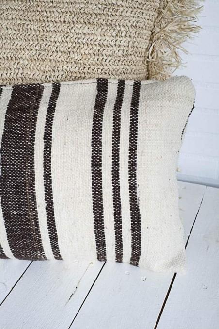 coussin kilim berbere laine rectangle marron blanc rayures wkhdeco